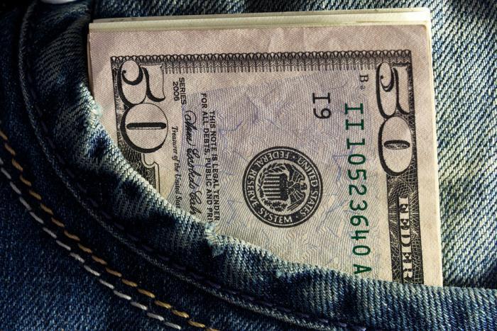 dólares 1